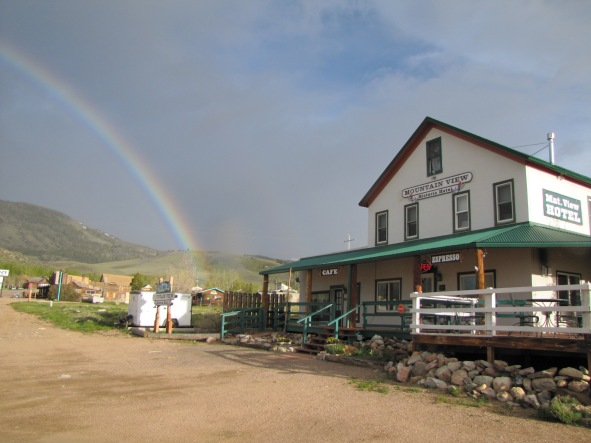 Rainbow Mountain View Hotel