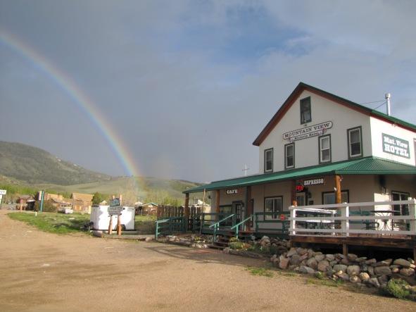 Rainbow Mountain View Hotel